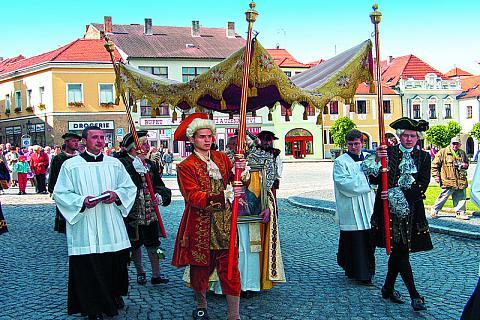 Das Barockrathaus aus dem 18. Jahrhundert bildet die Dominante des Stadtplatzes Velké náměstí (Großer Stadtplatz) in Písek, Foto: Archiv Vydavatelství MCU s.r.o.